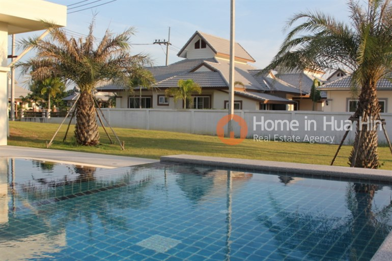 SHH17 Luxury 4 Bedroom Bungalow For Sale Hua Hin