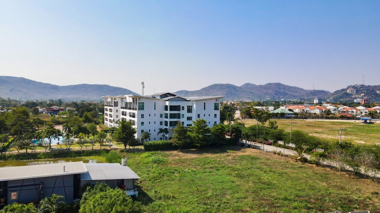 Hua Hin Condo for Sale Apartment in Hua Hin with Mountains View