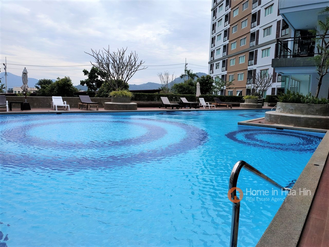 Hua Hin Condo Apartment in Hua Hin with Mountains View for SALE